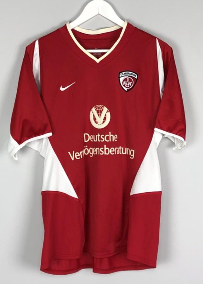 www.footballkitarchive.com